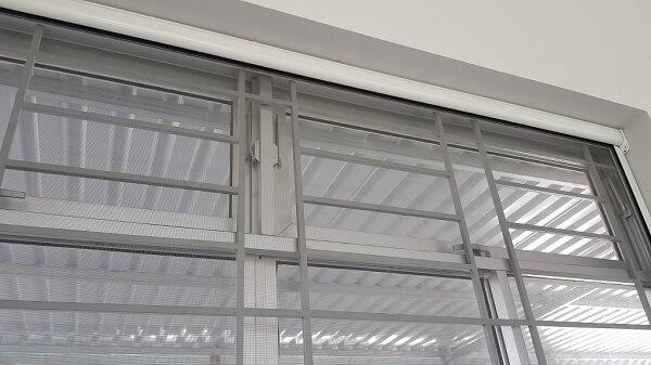 Cửa lưới chống muỗi gắn cố định